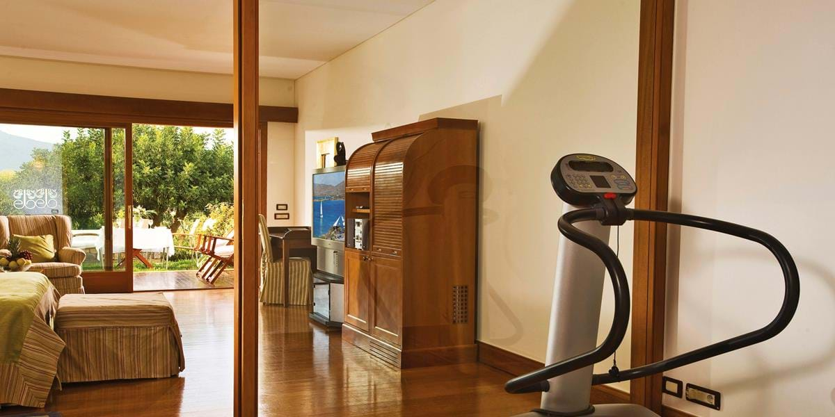 Deluxe Room Side Sea View with Gym Facilities