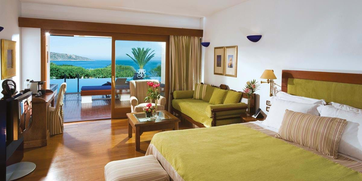 Deluxe Rooms SPA Sea View Sharing a Pool