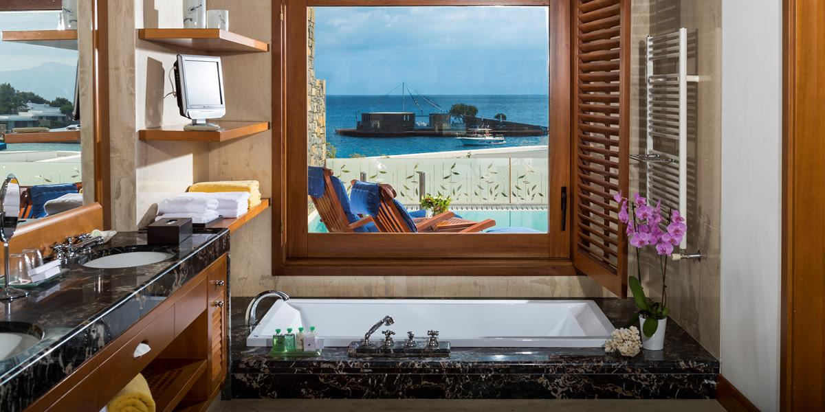 Island Suites Sea View with Private Heated Pool