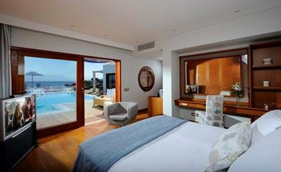 Grand Villas Sea View with Private Heated Pool - Bedroom