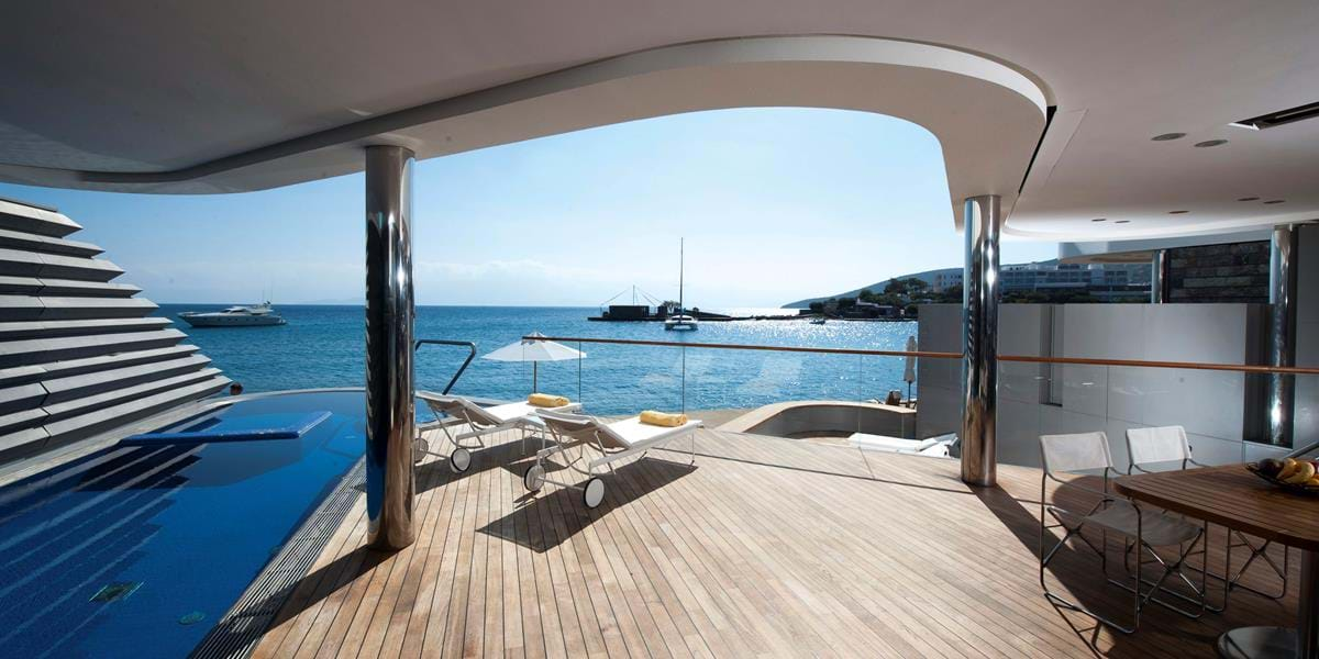 Yachting Villa Waterfront with a Gym & Private Heated Pool