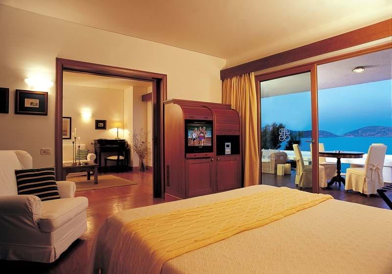 Two Bedrooms Premium Hotel or Bungalow Suites Sea View