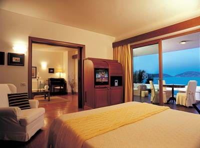 Premium Hotel /Bungalow Suites Sea View