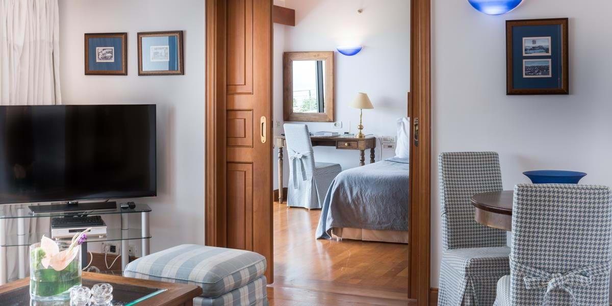 Bungalow Accommodation Elounda Crete Greece Resorts Luxury
