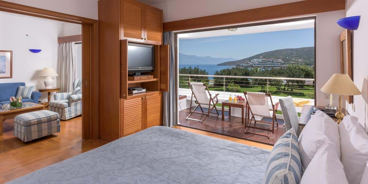 Deluxe Family Room Sea View