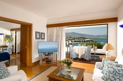 Deluxe Hotel Suites Sea View  (One Bedroom & Sitting Room Separate)