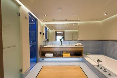 The Family Villa with Private Pool - Bathroom