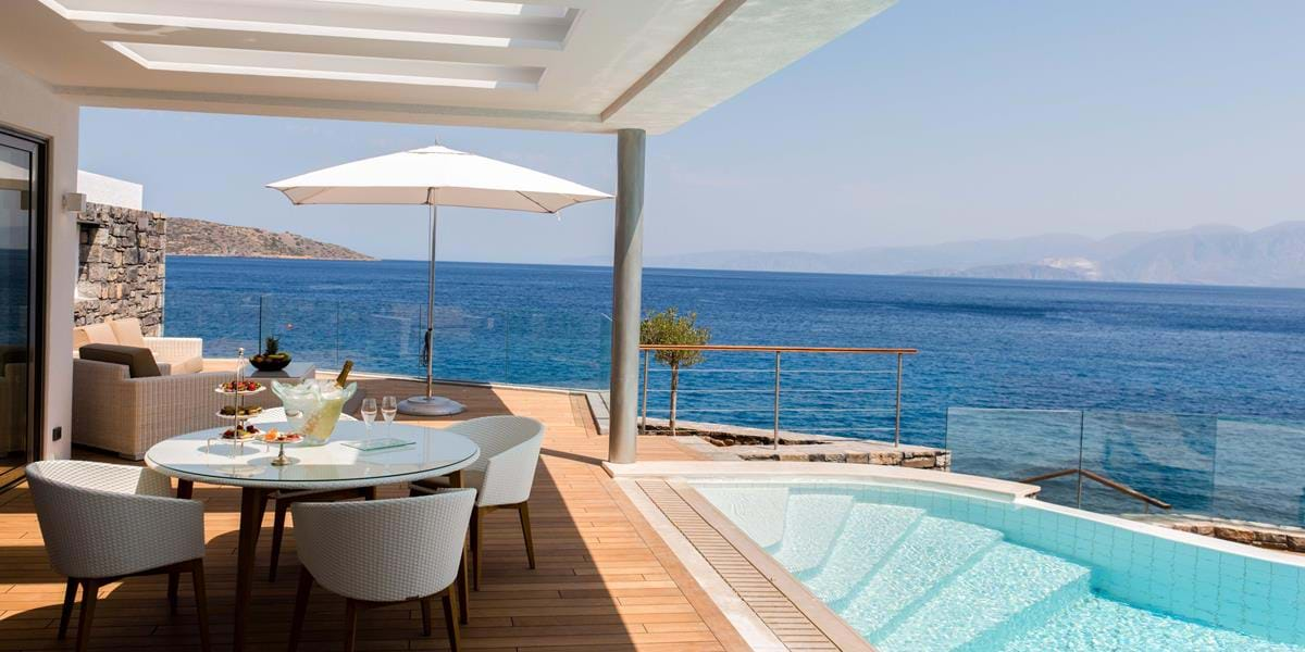 Two Bedrooms Presidential Villas on the Water's Edge with Private Heated Pool